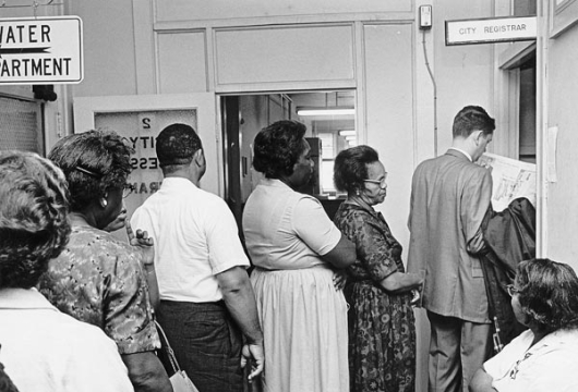 Voter Registration, September 29, 1964, Portsmouth Public Library Collection, Prints and Photographs, Special Collections, Library of Virginia, Richmond, Virginia.